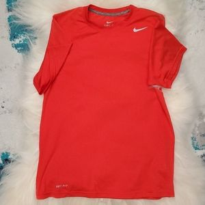 Nike dry fit t-shirt size small